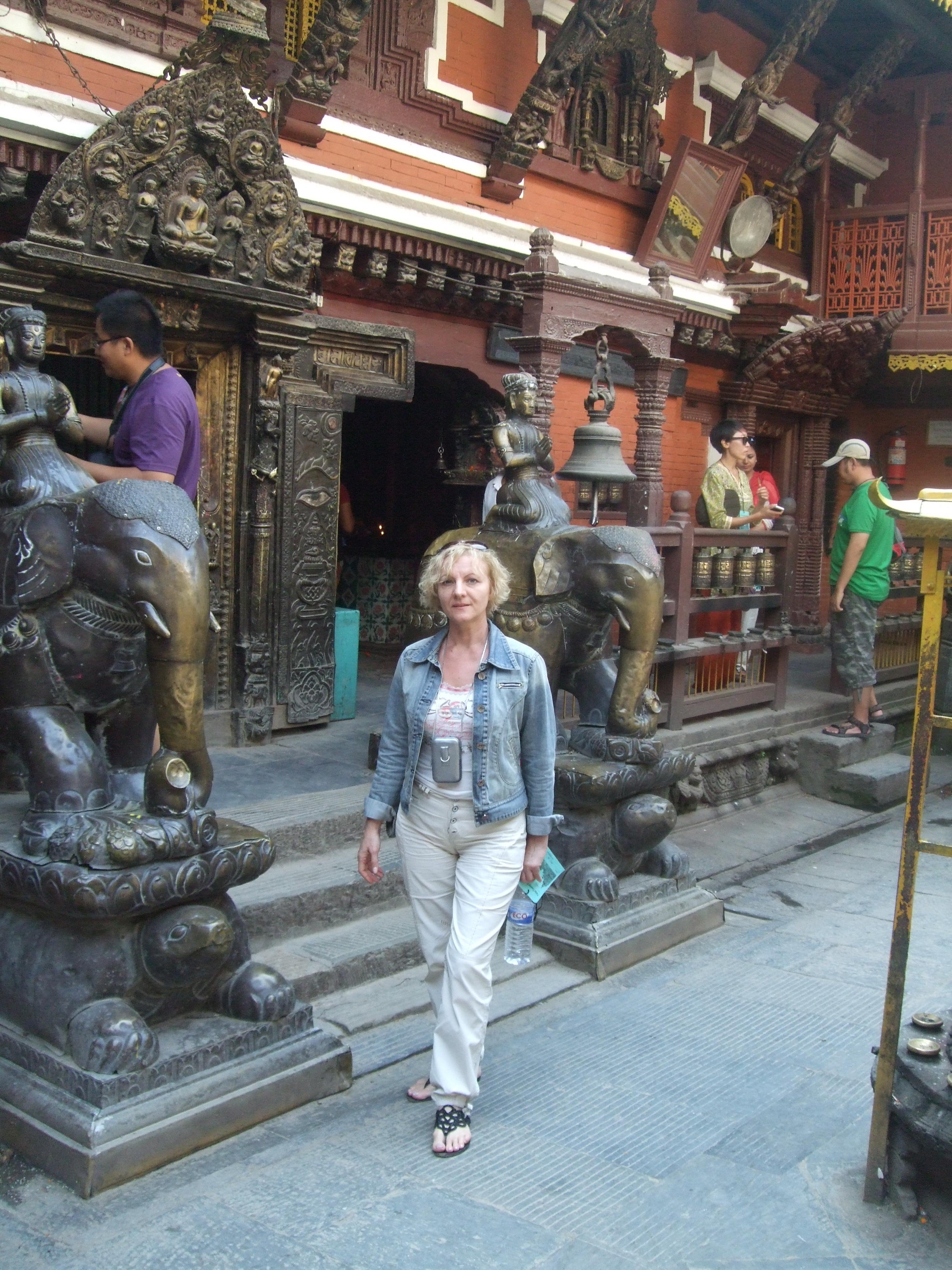 Путешествие по Непалу с прибором Биомедис